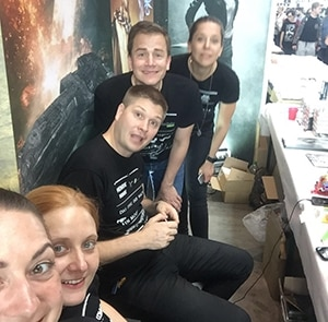 Das Team der Greenlight Press am Stand auf der Comic Con 2016.